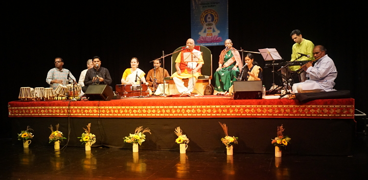 Liveconcert Mantra and Meditation BalajiTambe 700